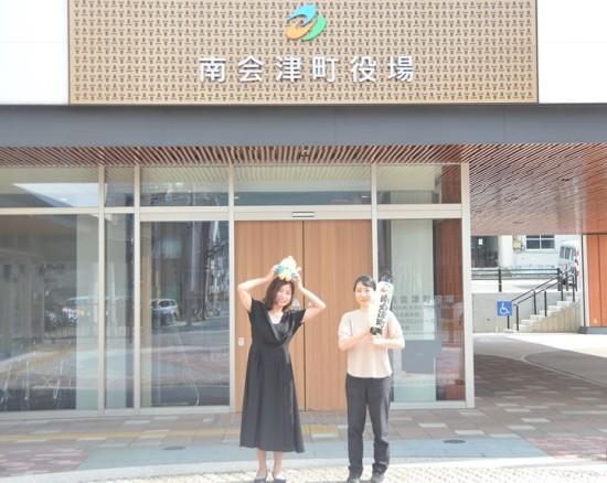 南会津地域おこしきょうりょくたいのゆーさん(左)とさいこさん(右)